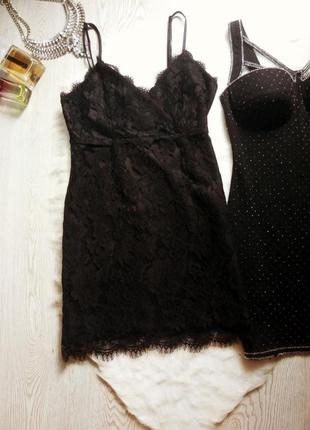Черное ажурное мини короткое платье с гипюром в бельевом стиле декольте на запах секси