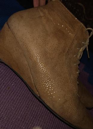 Стмпатичные полусапожки на танкетке, ботинки, туфли