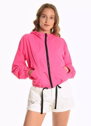 Неонова курточка