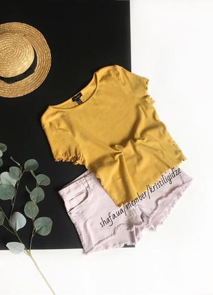 Яркая желтая футболка большого размера