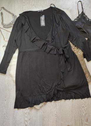 Натуральное черное нарядное длинное миди платье на запах с рюшами воланами вырез декольте