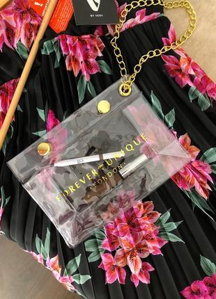 Трендовая прозрачная сумочка-косметичка