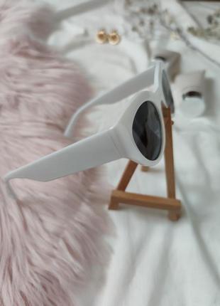 Очки окуляри темные черные белая оправа солнце солнцезащитные  трендовые новые uv4008 фото