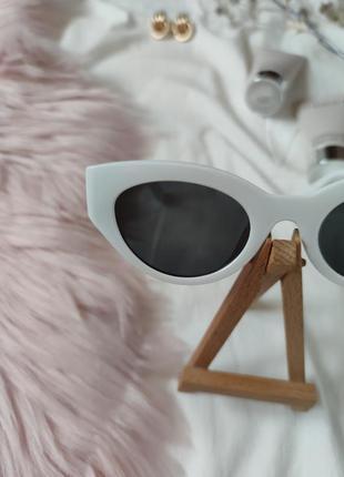 Очки окуляри темные черные белая оправа солнце солнцезащитные  трендовые новые uv4007 фото