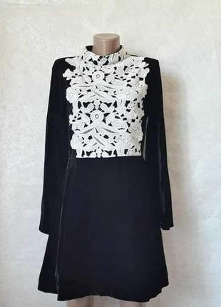 Фирменное asos нарядное бархатное черное платье с белым кружевом, размер хл