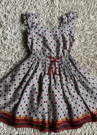 Платье в цветочной тематике на 3-4 года