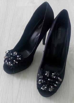 Шикарные черные туфли с открытым носком dunnes 40,5 р.
