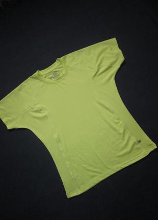 Яркая спортивная футболка crane