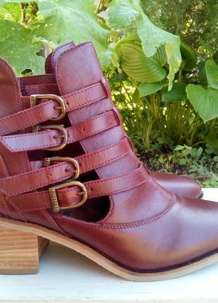 Кожанные ботинки на ремешках firetrap