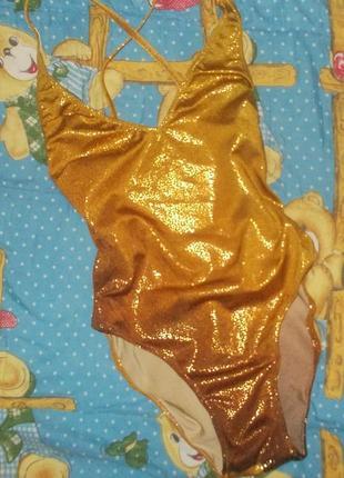 Золотой сдельный купальник