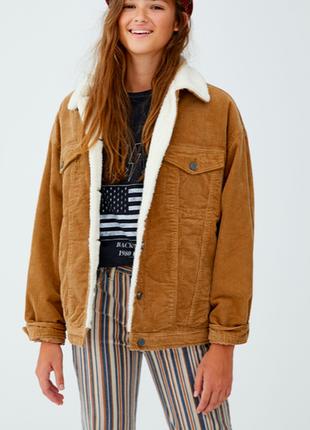 Pull&bear вельветовая куртка с мехом шерпа утеплённая джинсовка oversize
