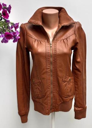 Куртка якісна на манжеті бренду okay розмір 36-38