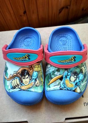 Кроксы superman супермен crocs usa, оригинал, мальчику, размер us с4/5 (21-22) 13 см