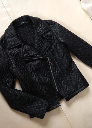 Стильная черная стеганая куртка кожуха италия today, m размер.