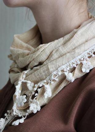 Крутой бежевый шарф