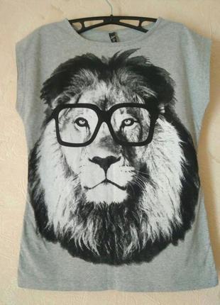 Новая стильная принтованная футболка, s-m