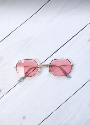 Розовые многоугольные очки