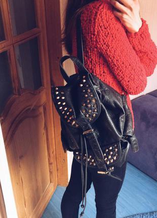 Мега крутой рюкзак с шипами