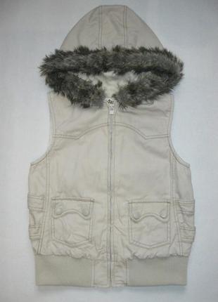 Джинсовая бежевая демисезонная жилетка с капюшоном от nori