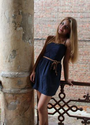 Крутое синее короткое платье без бретелек