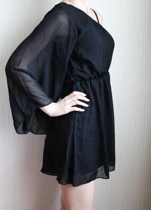 Чёрное короткое платье на одну руку