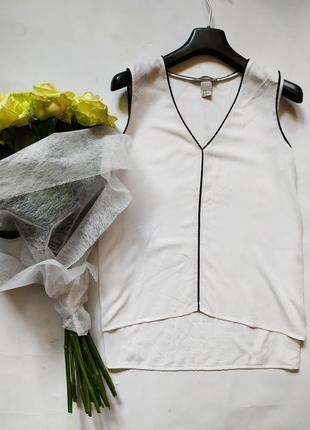 Легкая белая базовая блуза