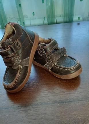 Ботиночки для малыша размера 21,5