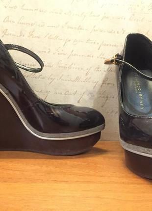 Отличные туфли на каблуке