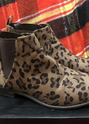 Леопардовые ботинки на низком ходу