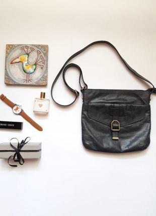 Актуальна шкіряна сумочка від m&s