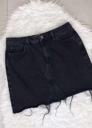 Чорна джинсова спідничка від newlook