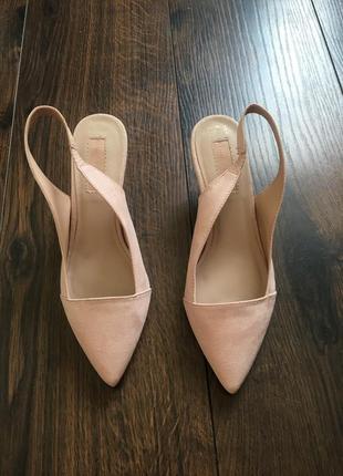 Туфли лодочки с отрытой пяткой