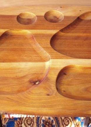 Доска сервировочная-менажница, деревянная, для нарезки и подачи блюд.