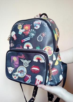 Стилтний чорний рюкзак