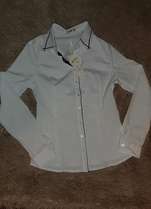 Белоснежная блузка.можно в школу.