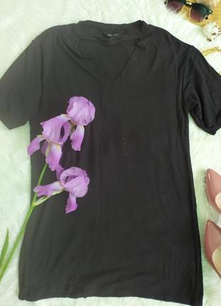 Стильное короткое черное платье удлиненная футболка туника с чокером