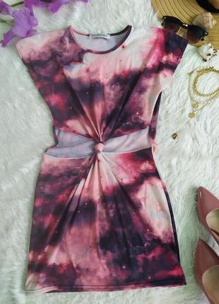 Лёгкое платье удленнная футболка с вырезами и узлом