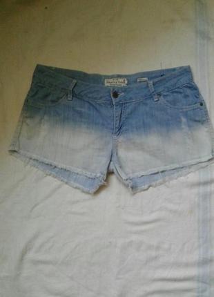 Легкие шорты размер x l