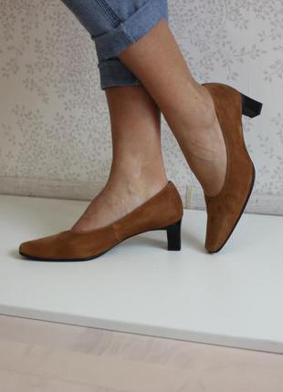 Замшевые туфли на низком каблуке, бренд gabor, новые