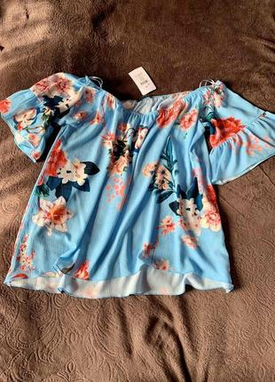 Новая блуза небесного цвета цветочный принт с рукавчиками милая
