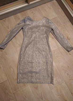 Мерцающие платье по фигуре