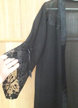 Домашний халат с кружевами