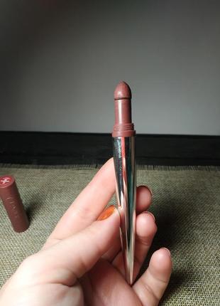 Помада для губ clinique pop lip shadow cushion matte lip powder