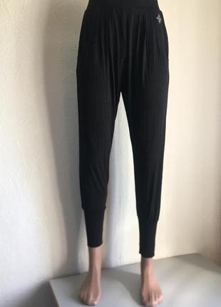 Чёрные штаны для йоги, спортивные штаны crivit