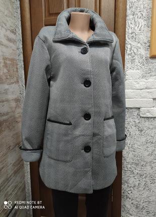 Абалденное фирменное неопреновое пальто бойфренд на подкладе