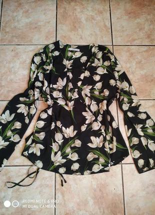 Яркая летняя блузка на запах