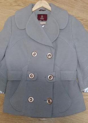 Стильное демисезонное кашемировое пальто