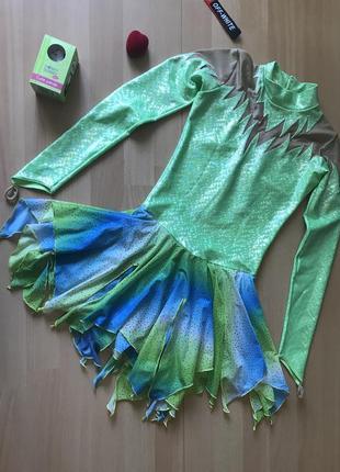 Яркое платье для танцев гимнастики фигурного катания