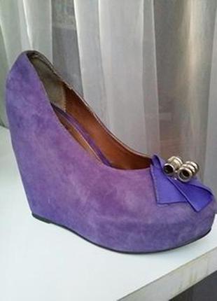 Стильные замшевые туфли dolce & gabbana, 39р.