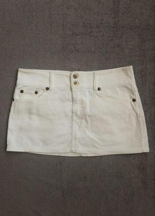 Белая вельветовая мини-юбка terranova